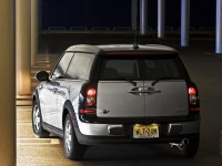 MINI Cooper Clubman photo